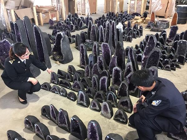 南京海关连破26起水晶走私案案值近2.7亿